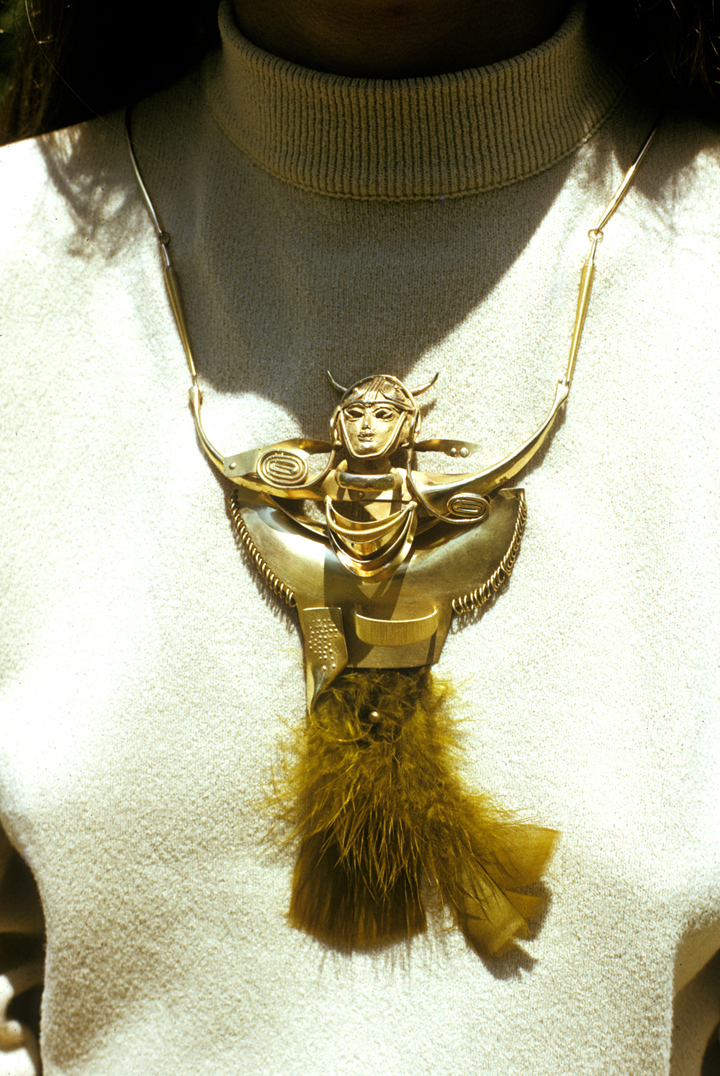 Toza, pendant, gold with feathers, 1970s